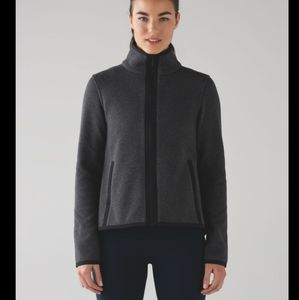Lululemon its fleecing cold jacket sweater